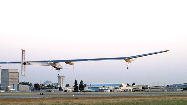 Solar plane takes off on historic cross-country trip